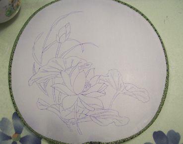 璎珞的手绘团扇